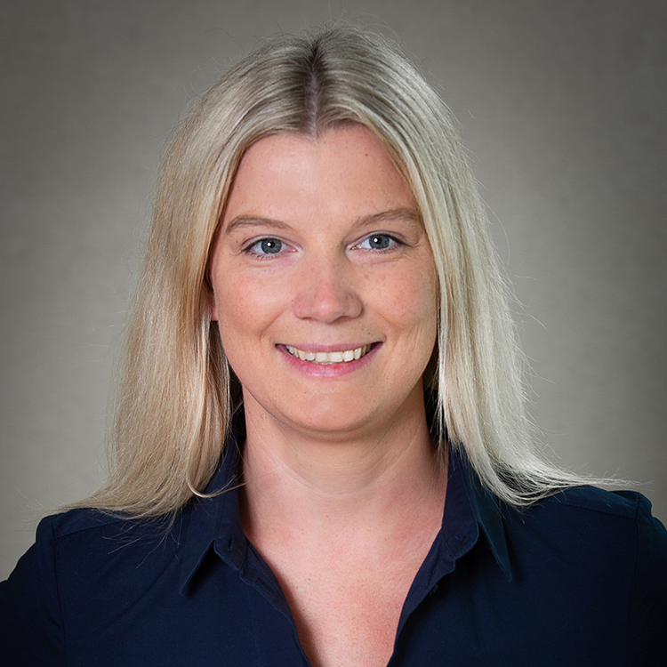 Elena Seliger